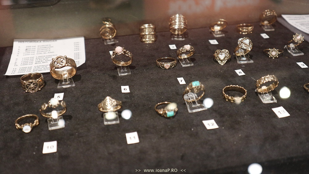 Muzeul de Istorie din Suedia Swedish History Museum jewelry vikings rings souvenirs foto24
