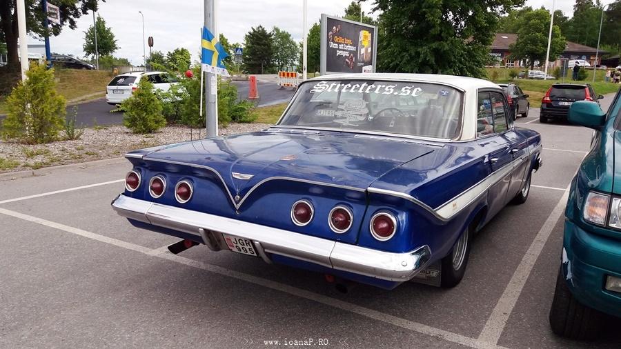 Chevrolet Impala 1961 (back)