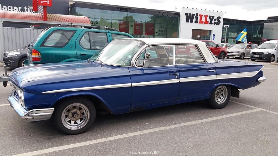 Chevrolet Impala 1961 (side)