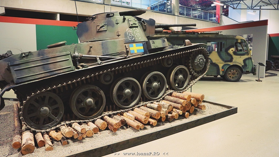 Arsenalen Swedish Tank Museum foto1