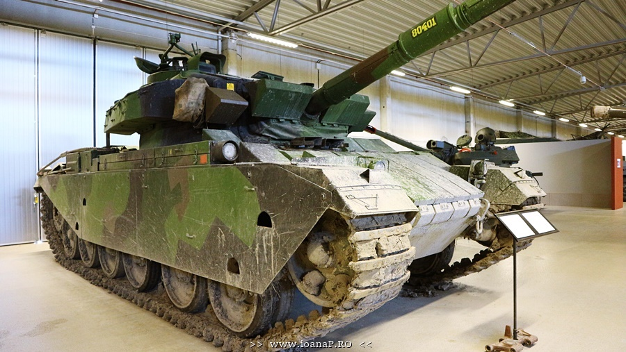 Arsenalen Swedish Tank Museum foto14