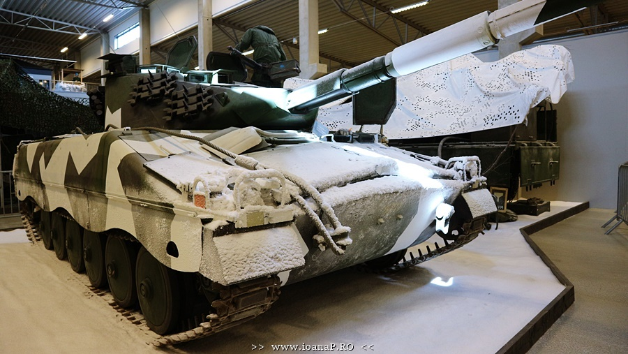 Arsenalen Swedish Tank Museum foto9