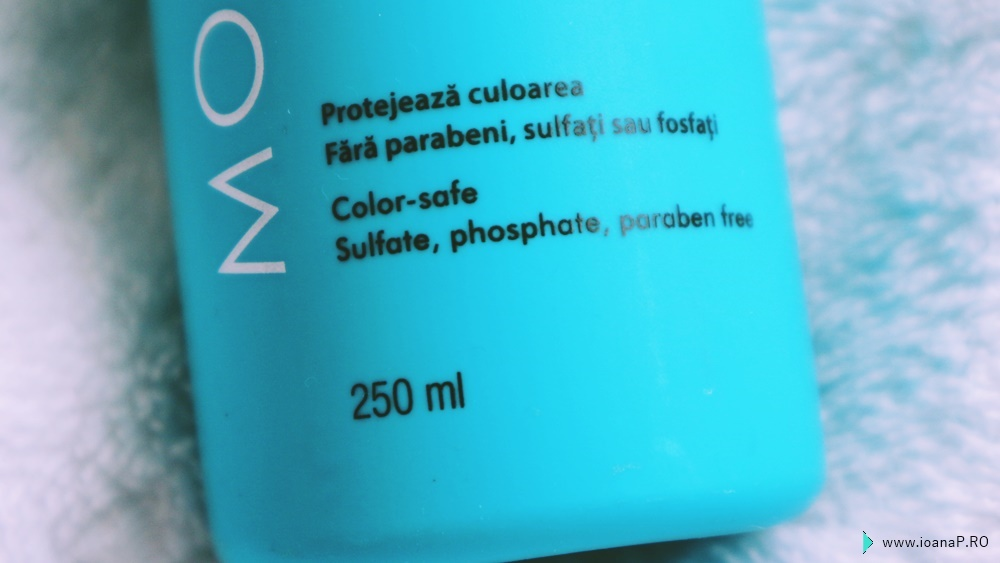 Moroccanoil Moisture Repair - color safe - sulfate free, phosphate free, paraben free