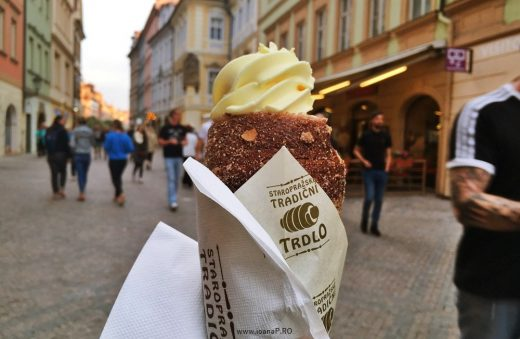 Trdelnik from Prague - kind of kurtos kalacs with ice cream