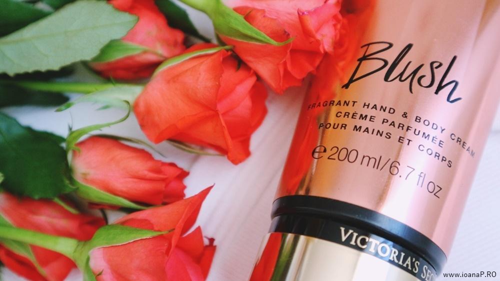 crema de corp Blush de la Victoria's Secret foto05