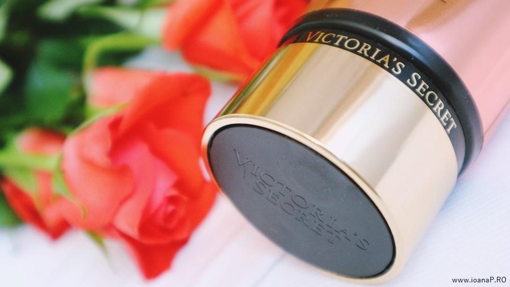 crema de corp Blush de la Victoria's Secret foto06