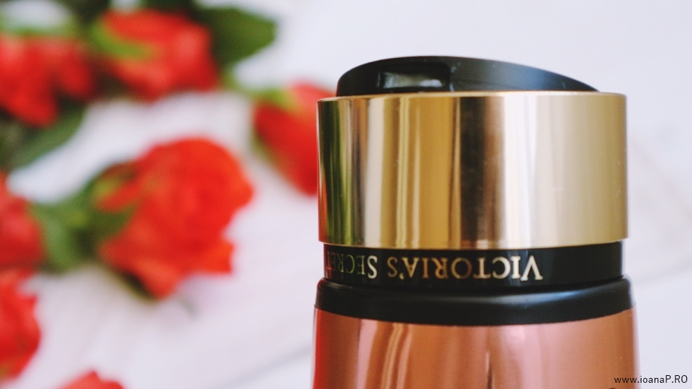 crema de corp Blush de la Victoria's Secret foto09