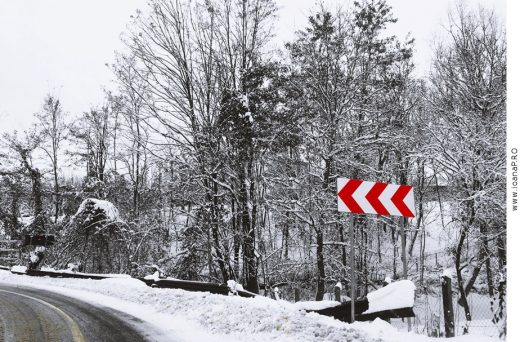 retrospectii 2018 traffic sign winter
