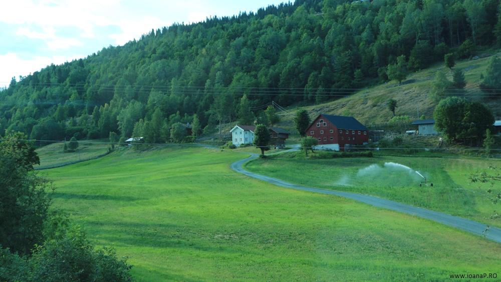 Muntii Scandinaviei Norvegia cu cortul 02