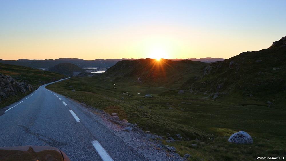 Muntii Scandinaviei Norvegia cu cortul 03