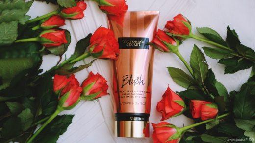 crema de corp Blush de la Victoria's Secret foto12
